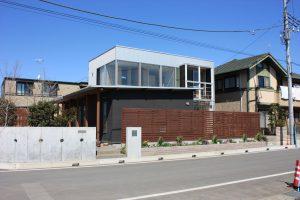 ひたちなかの建築家住宅 A-house 道路からの外観